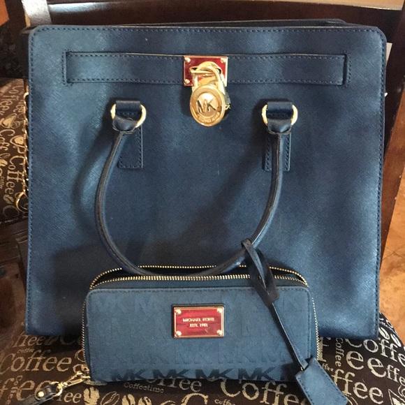81daf770bdc Michael Kors Bags   Mk Purse With Matching Wallet   Poshmark